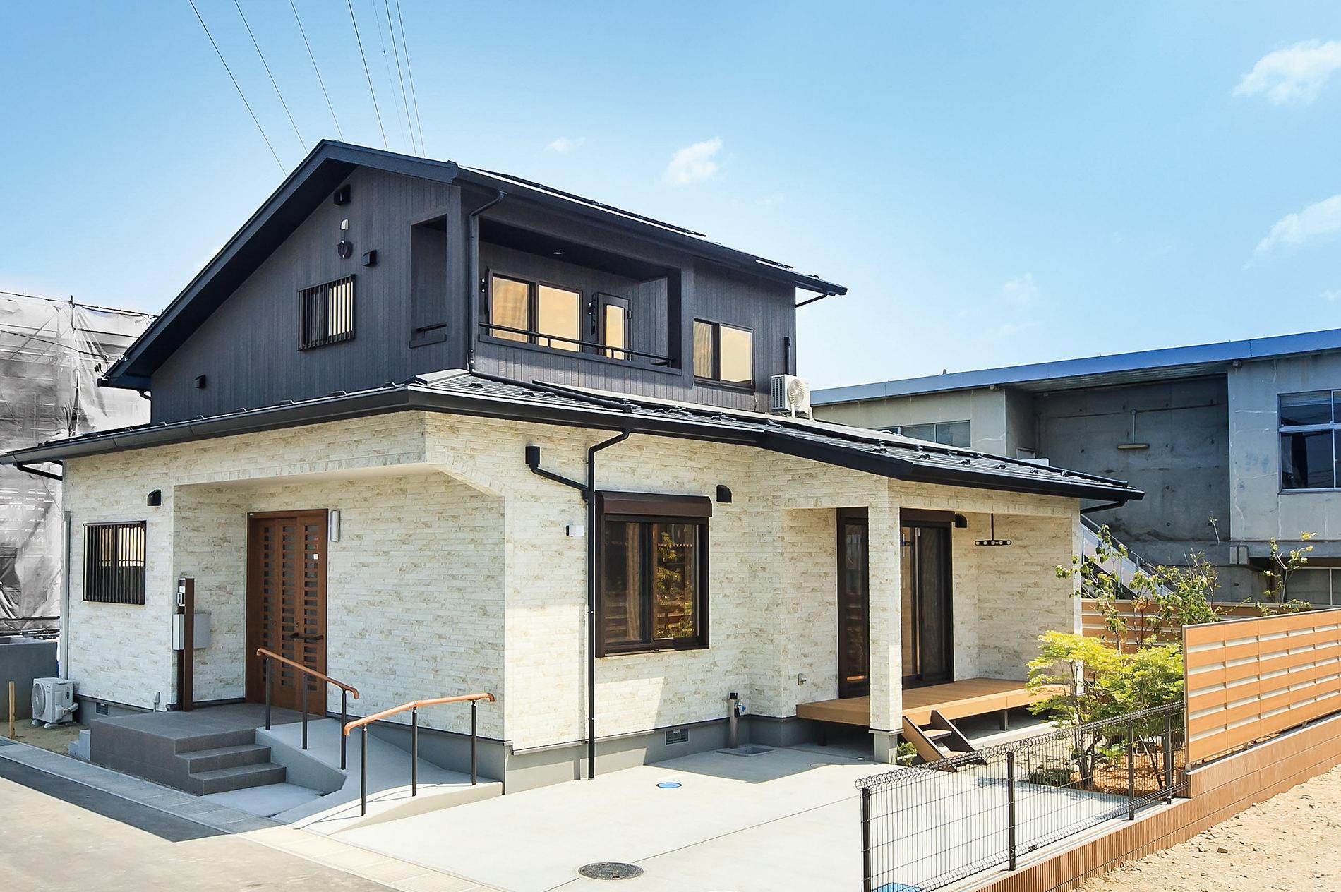 展示場住宅のメイン外観写真